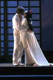 Pinkerton (tenor Gerard Powers) and Butterfly (soprano Kelly Kaduce), Madama Butterfly, Boston Lyric Opera, 2006