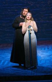 Baritone James Westman as Athanaël and soprano Kelly Kaduce as Thaïs, Thaïs, Boston Lyric Opera, 2006