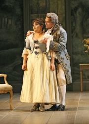 Soprano Ailyn Pérez (Susanna) and baritone Paulo Szot (Count Almaviva), Le nozze di Figaro, Boston Lyric Opera, 2007