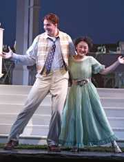 Nemorino (tenor Eric Cutler) and Giannetta (soprano Ji Young Yang), L'eliser d'amore, Boston Lyric Opera, 2008